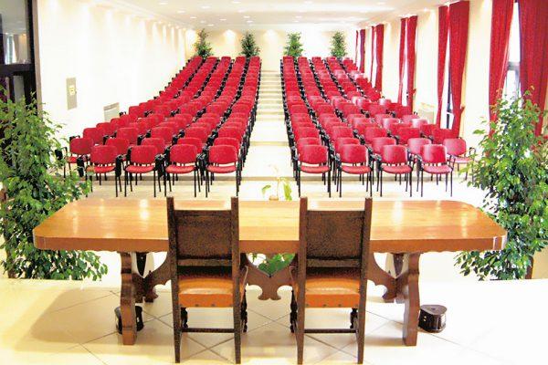 p.9-auditoriumv