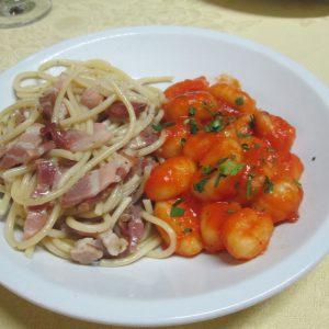spaghetti-alla-griccia-e-gnocchi-al-pomodoro